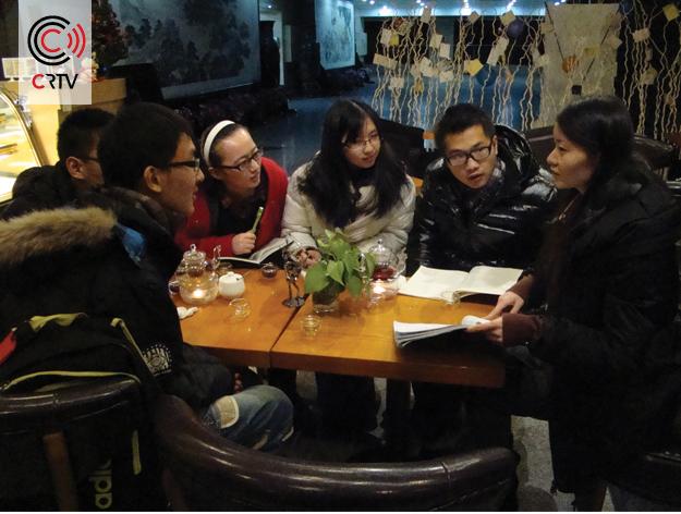 Chinezen studenten die Nederlandse les krijgen