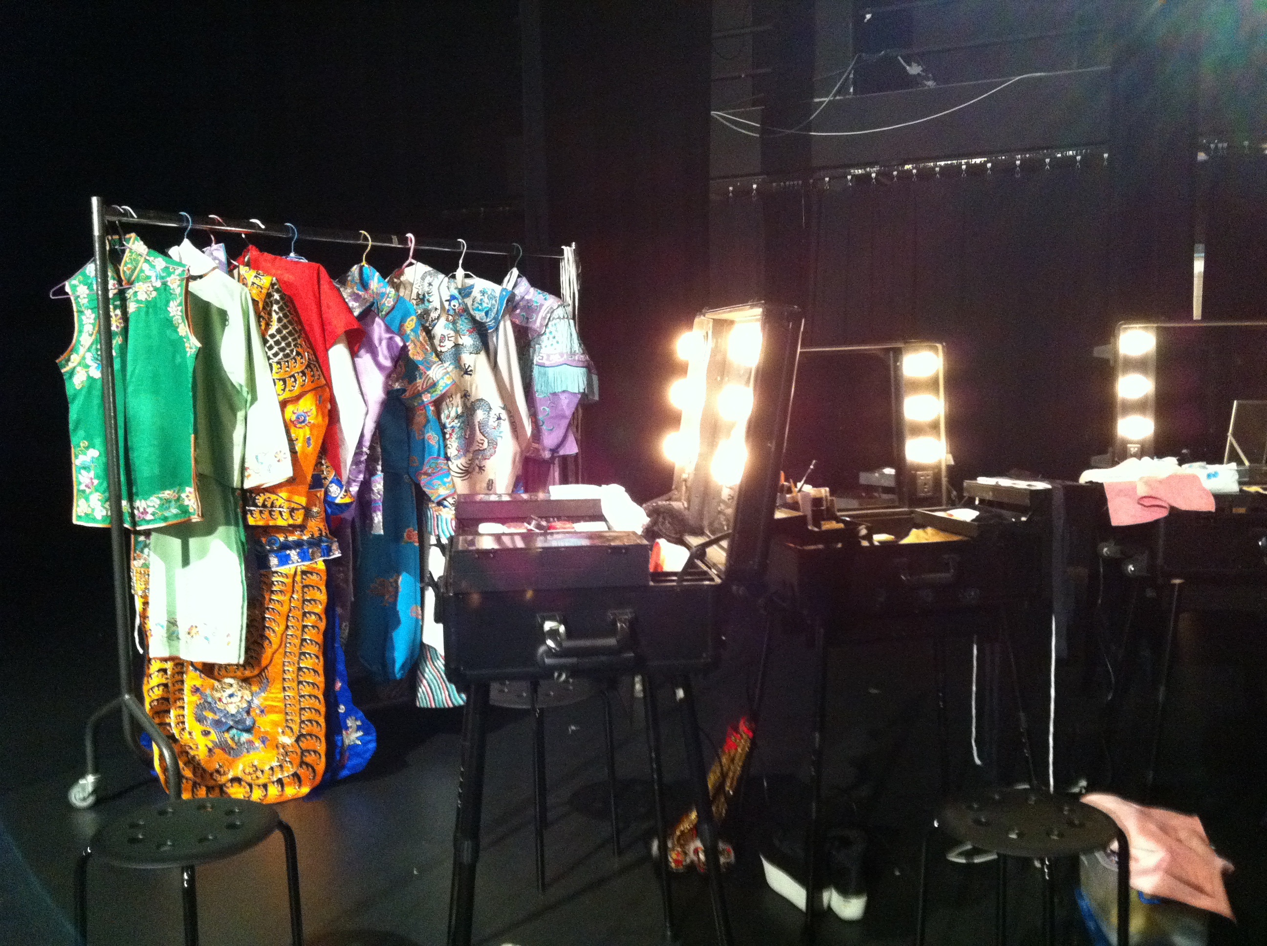 Backstage of Cantonese Opera 3